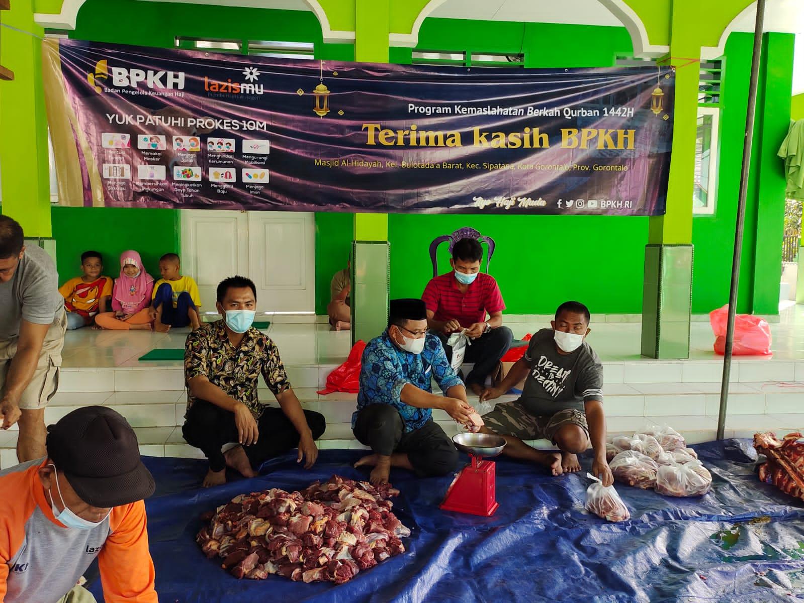 Cover Lazismu - BPKH Salurkan 6 Sapi di Gorontalo