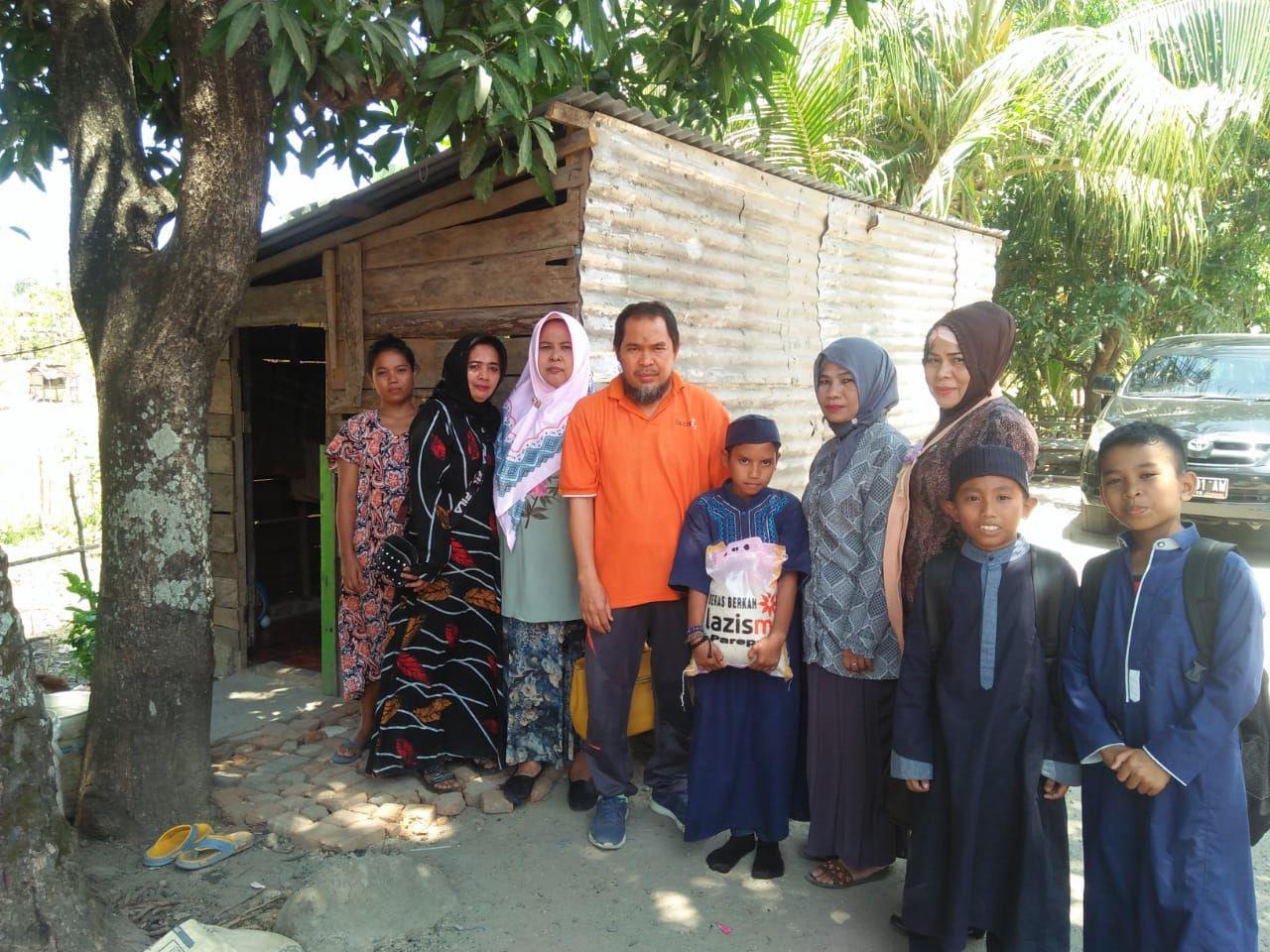 Cover Rumahnya Akan Dibedah Lazismu, Saiful Ingin Ibunya Sehat untuk Tetap Bisa Bersekolah